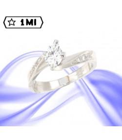 Elegante solitario Valentino in oro bianco con pavé di diamanti