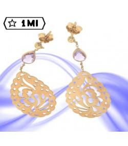 raffinati orecchini pendenti in oro giallo con pietra lilla goccia lavorata
